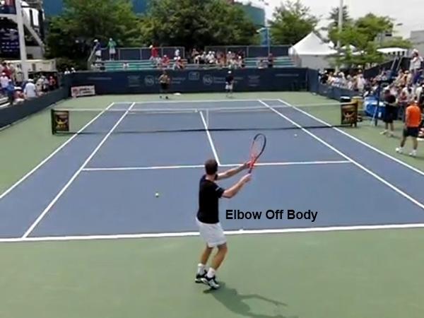 テニスのストロークでは肘が大事! その3つの理由とは